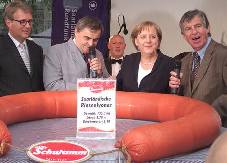 Merkel mit Wurst