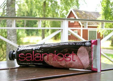 Salamikäse aus der Tube - Schön ist Schweden.
